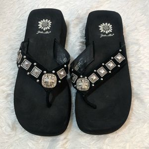 Yellow box Sandals Black with Bling Leather